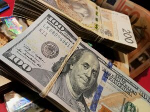 How To Manifest Money and Prosperity Into Your Life?